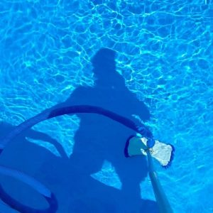 Buyers Guide For The Best Pool Vacuum For Algae