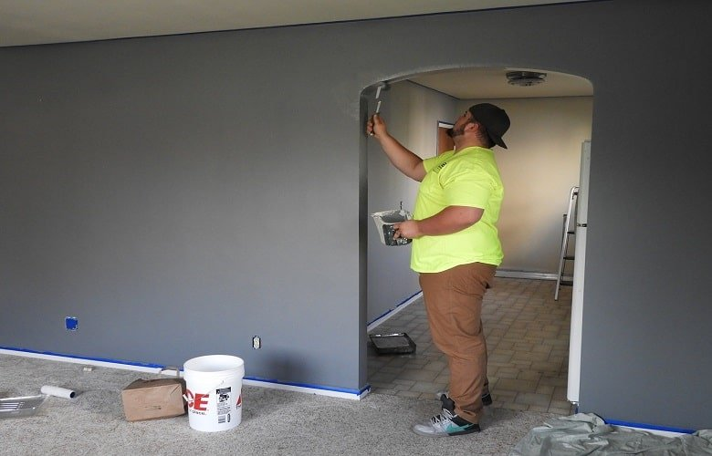 Tips On How To Clear Paint Fumes After Painting: Top 8 DIY Ideas